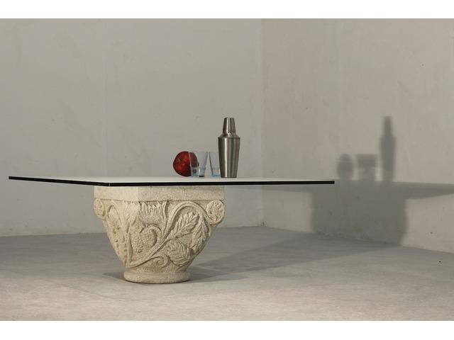 Tavolini per salotto in pietra e cristallo