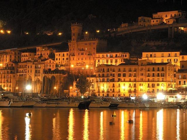 B&B Salerno IN Centro ideale per esplorare le bellezze della Provincia di Salerno - 1/4