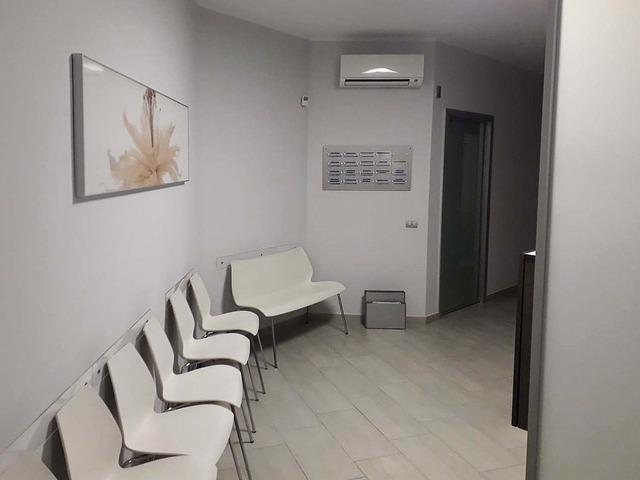 Chirurgo Vascolare, Ortopedico, Podologo. Cliniche Bosso & Indolfi. - 8/9